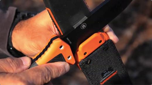 14 couteau de survie Bear grylls ultimate Pro