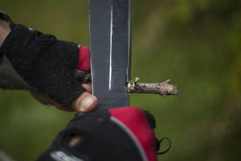 7 Test couteau de combat Ontario Marine Raider