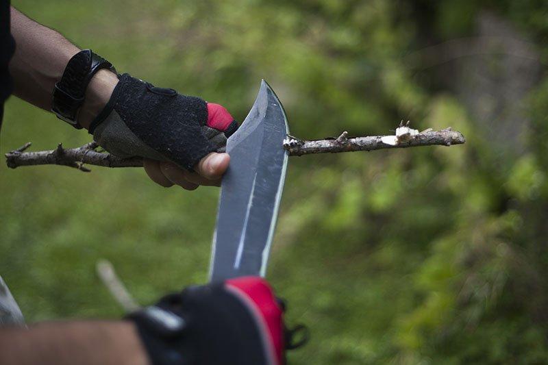 8 Test couteau de combat Ontario Marine Raider