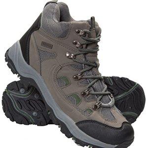 14c2ccc033d Ce types de chaussures de randonnée ont un poids lourd parce que leur tissu  synthétique est souvent le cuire